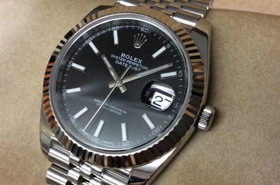 newest 55c08 a4fc0 ロレックス デイトジャスト41 黒バー 126334 ランダム番 5連 ...